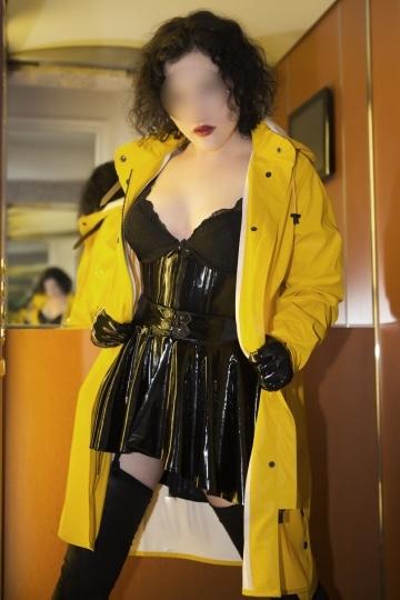 Mistress Nora 47 Escort Wien